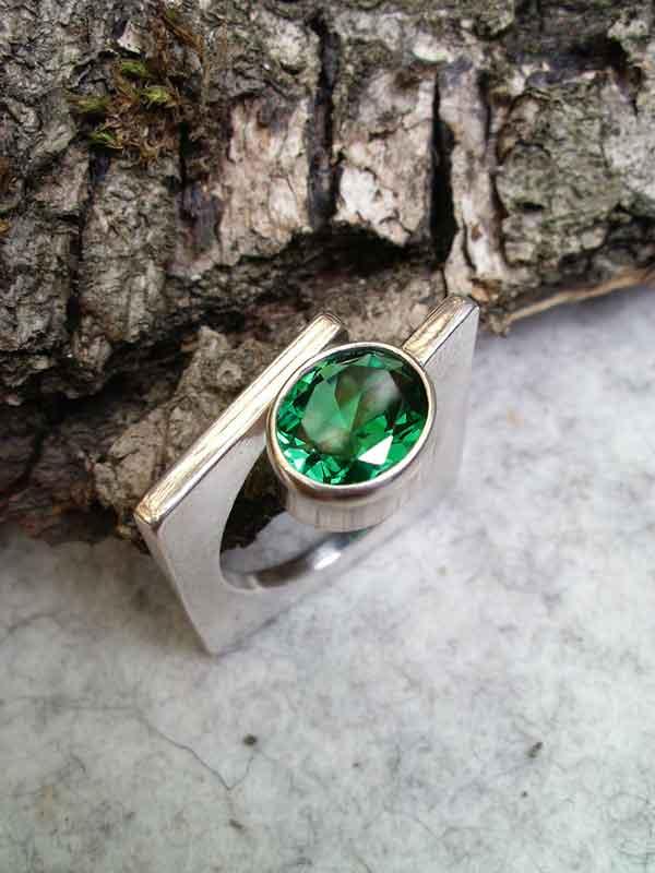 "Ring ""Carre"", Silber, Zirkonia oval grün"