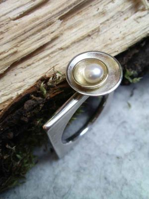"Ring ""Bouton"" Carre"